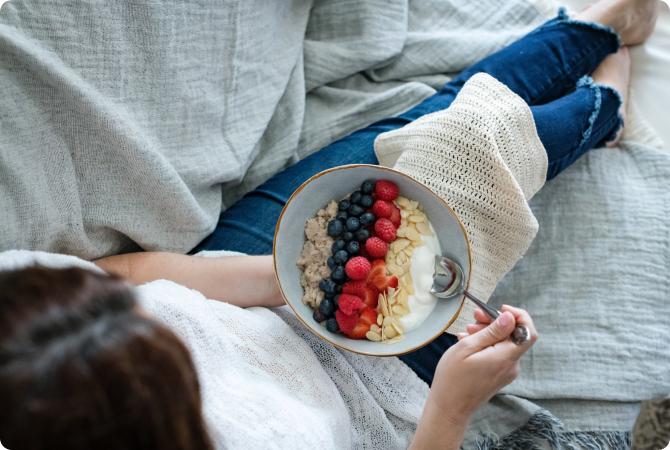 Kefir vs Yogurt: Differences, Benefits, & Nutrition